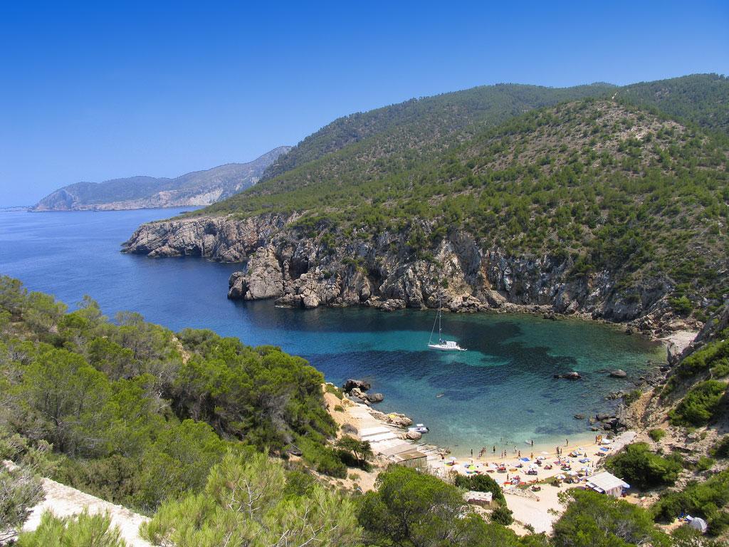 Ibiza, playas de San Juan, Puerto de San Miguel, Cala Xarraca, Cala ...